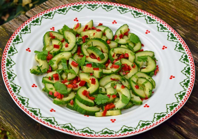 Chilli cucumber salad