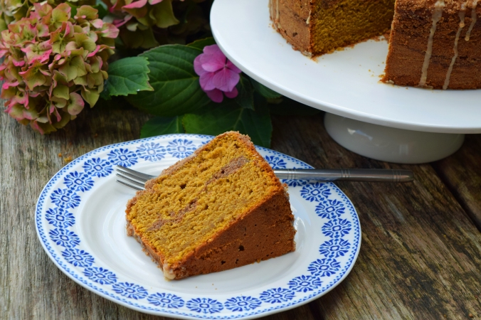 pumpkin cake plate