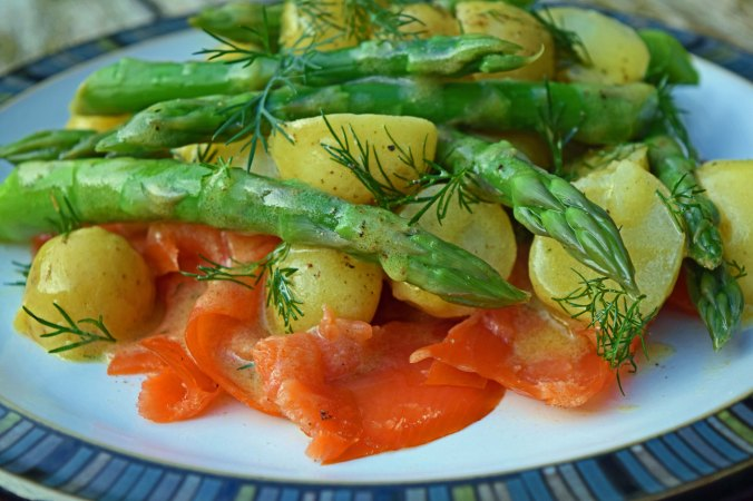 Salmon potato salad2