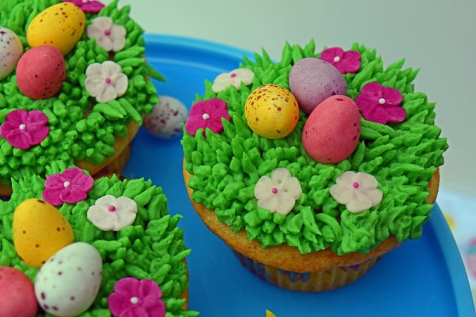 Easter cupcakes1