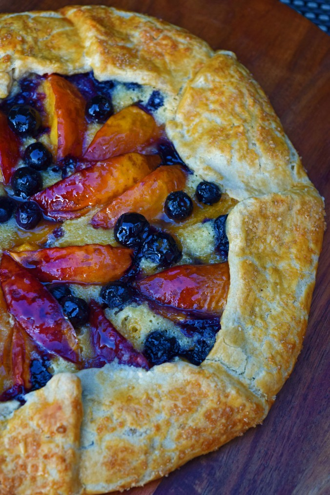 Nectarine blueberry crostata1