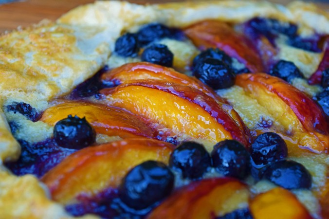 Nectarine blueberry crostata3