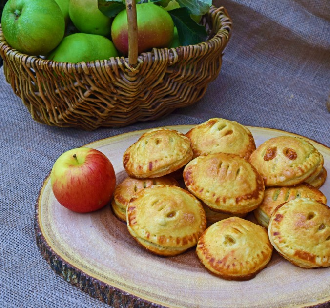 Caramel apple hand pies2