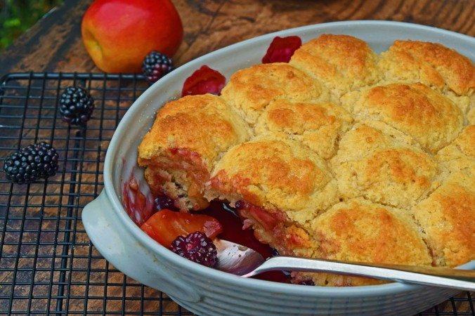 Apple Blackberry Cobbler5