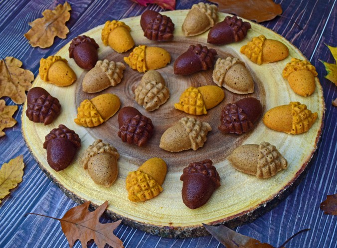 Acorn Cakelet collection